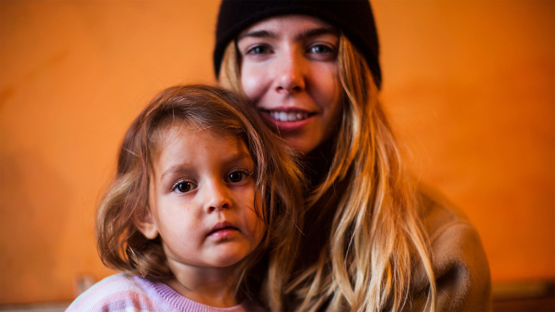 Stacey Dooley Investigates — s07 special-10 — Gypsy Kids Taken from Home
