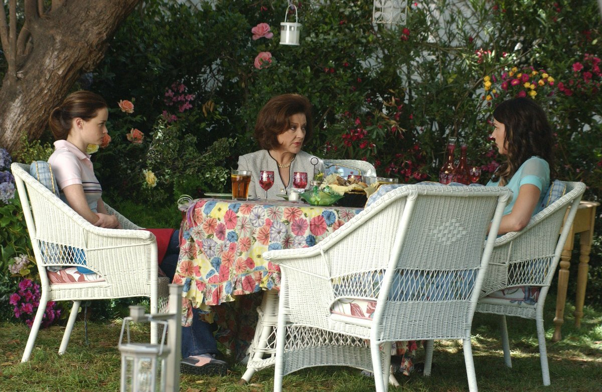 Gilmore Girls — s05e01 — Say Goodbye to Daisy Miller