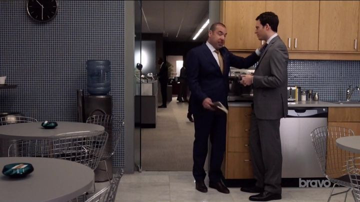 Suits — s07e06 — Home to Roost