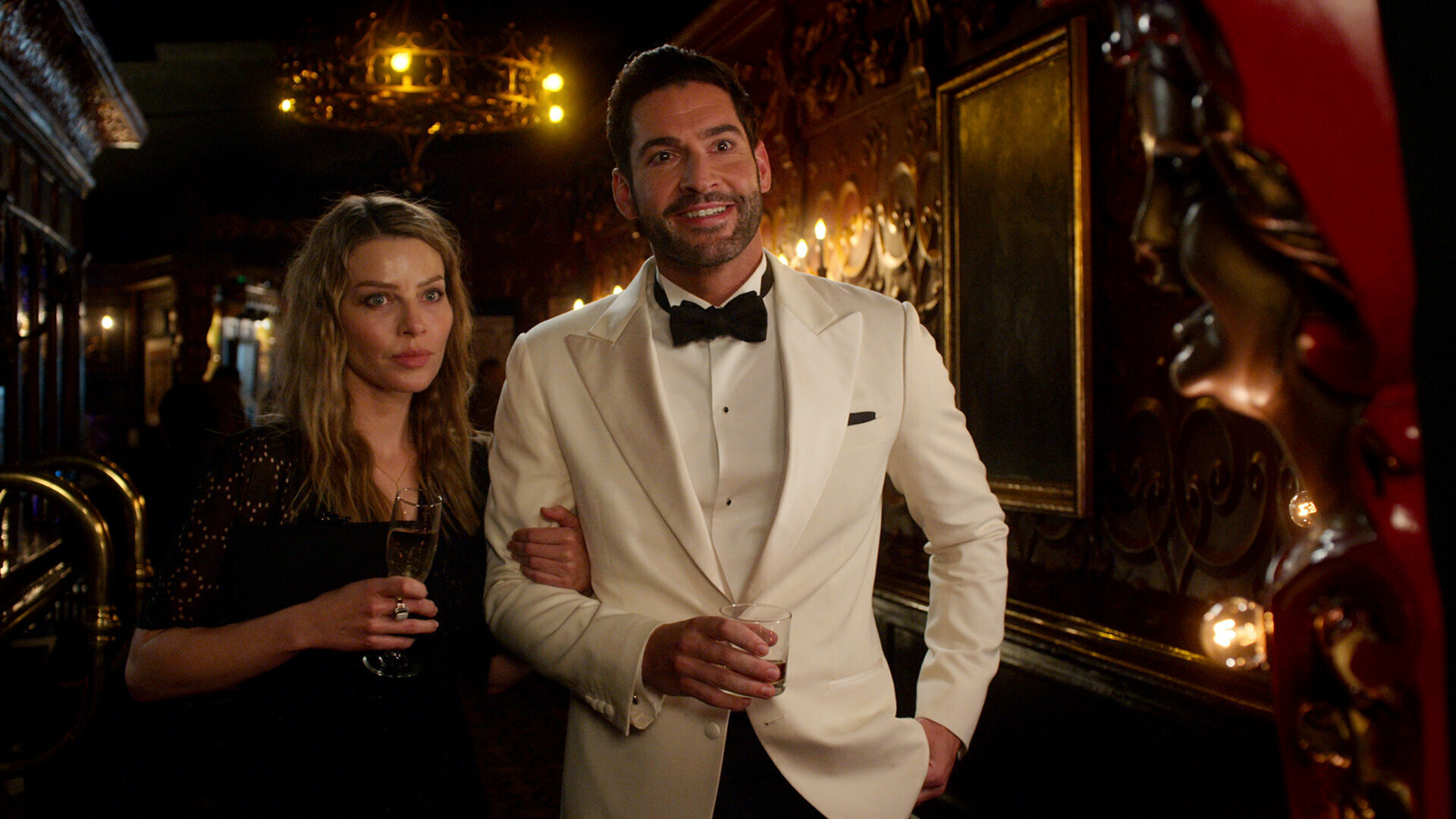 Lucifer — s06e01 — Nothing Ever Changes Around Here