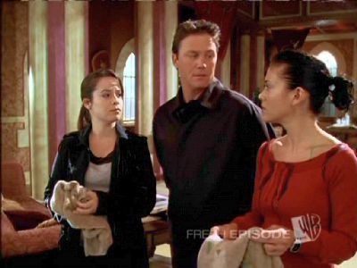 Charmed — s07e12 — Extreme Makeover: World Edition