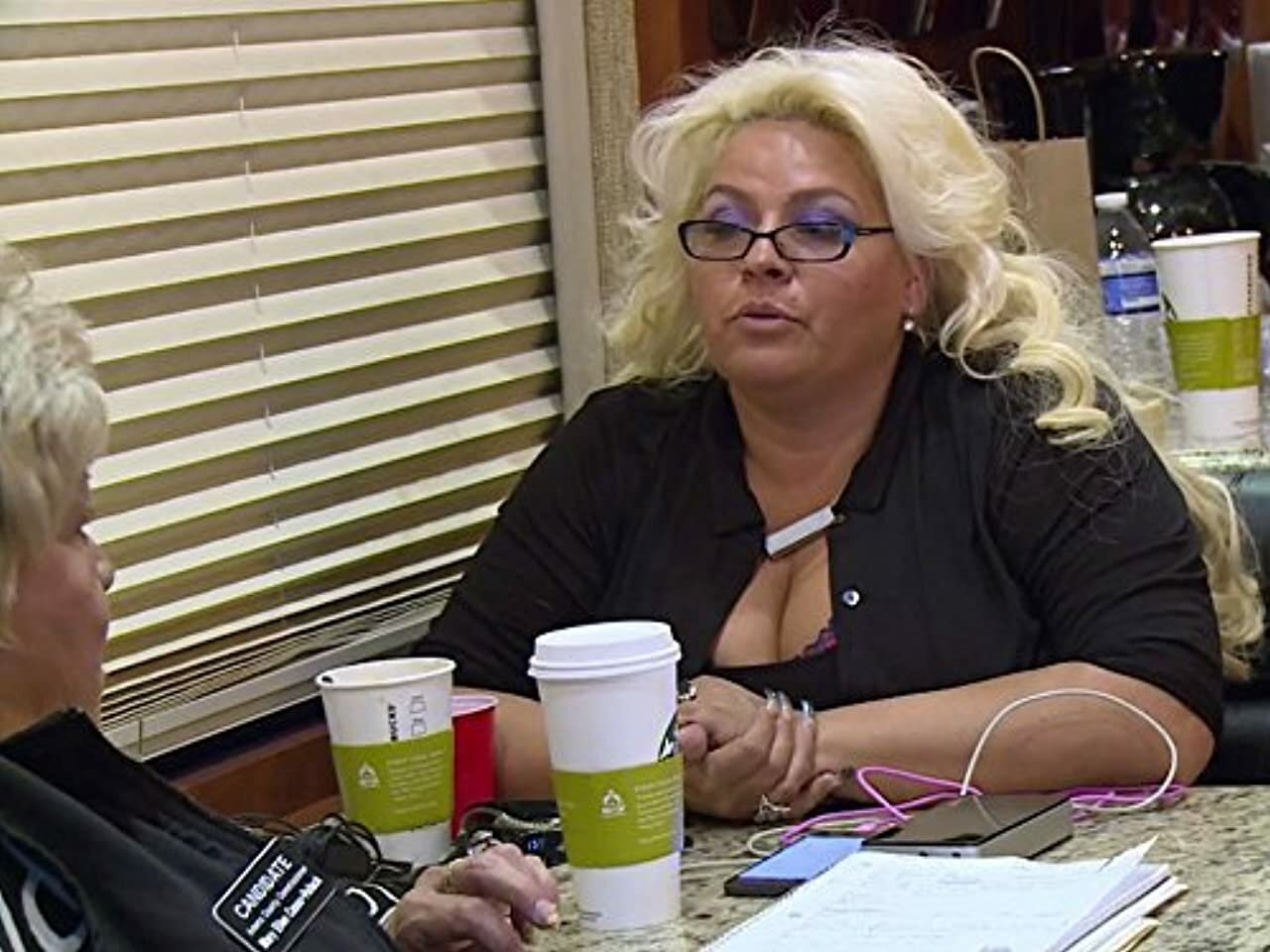 Dog and Beth: On the Hunt — s02e13 — There's Something About Mary Ellen