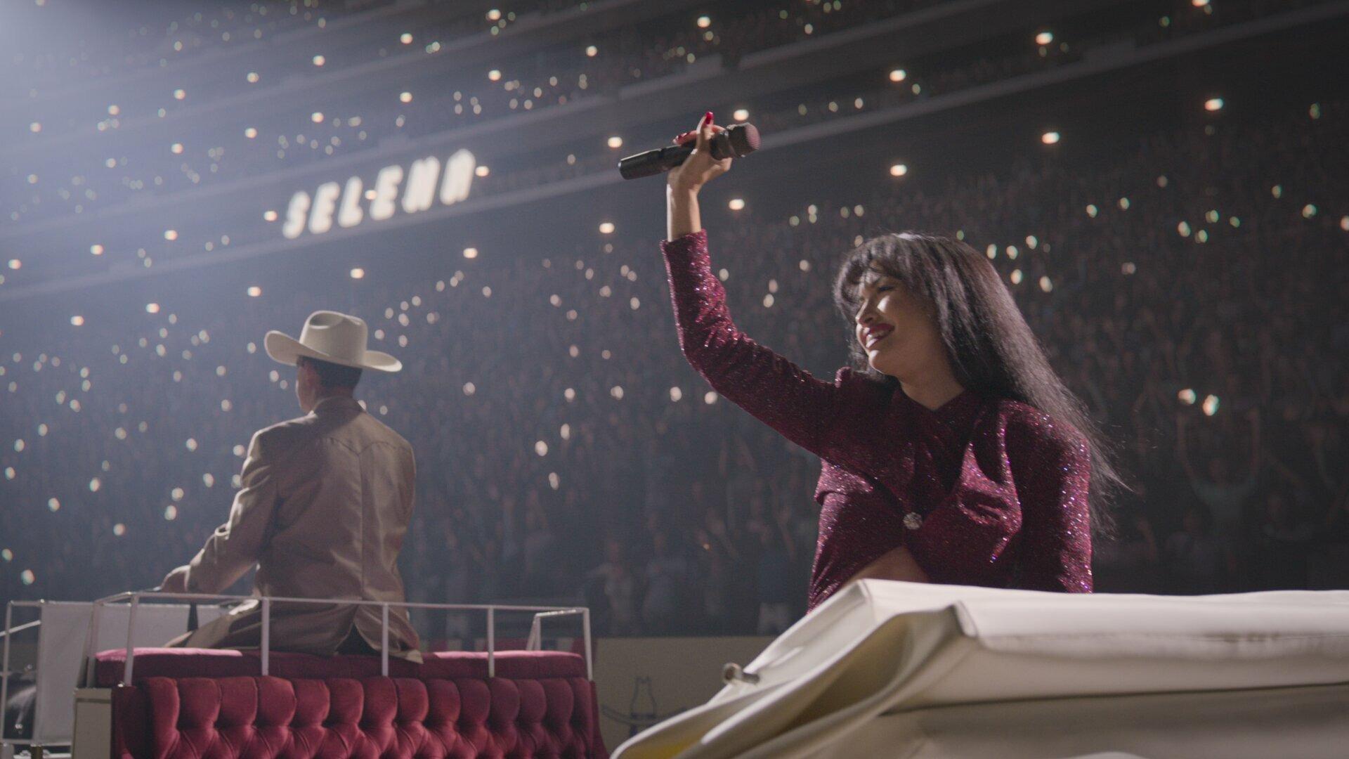 Selena: The Series — s02e08 — Astrodome