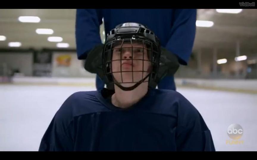 s01e09 — S-l-- Sled H-o-- Hockey