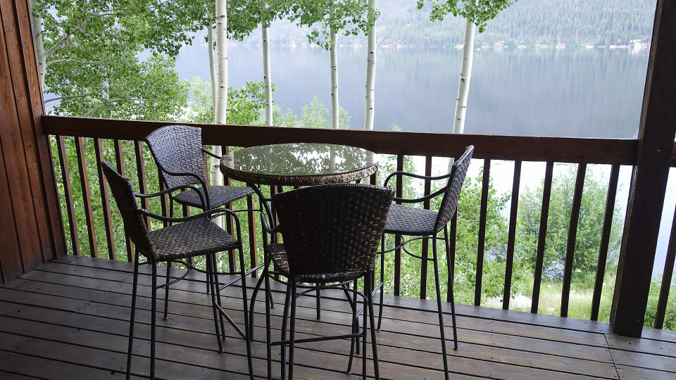 s2016e09 — Shopping for a Lakefront Property in Grand Lake, CO