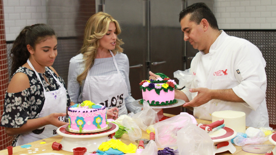 s09e24 — Momma's Day, Floral Flavors and Cake Clinics