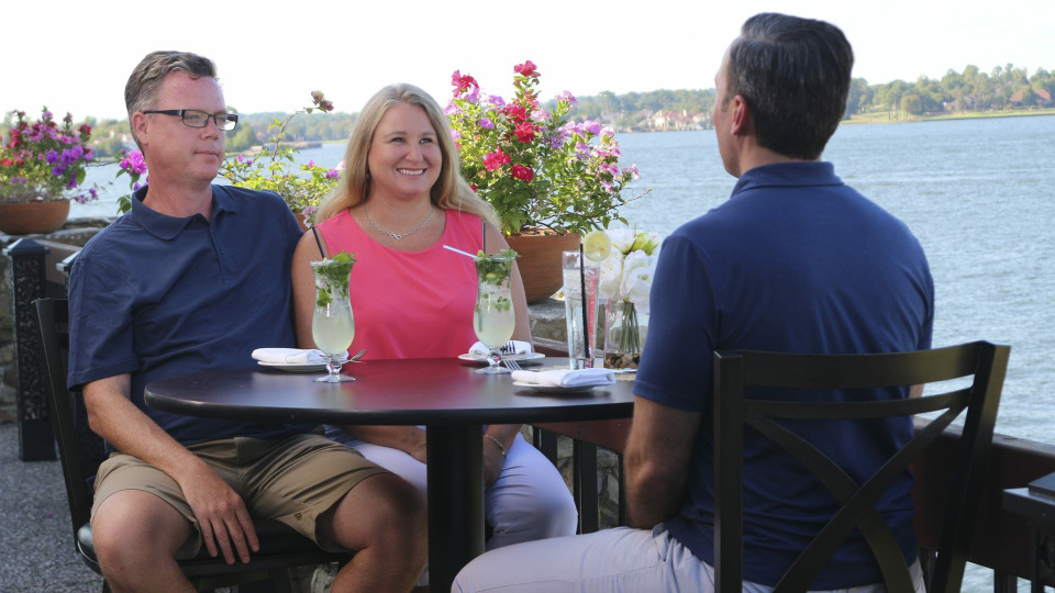 s2020e18 — Here's the Story of a Lovely Lake House