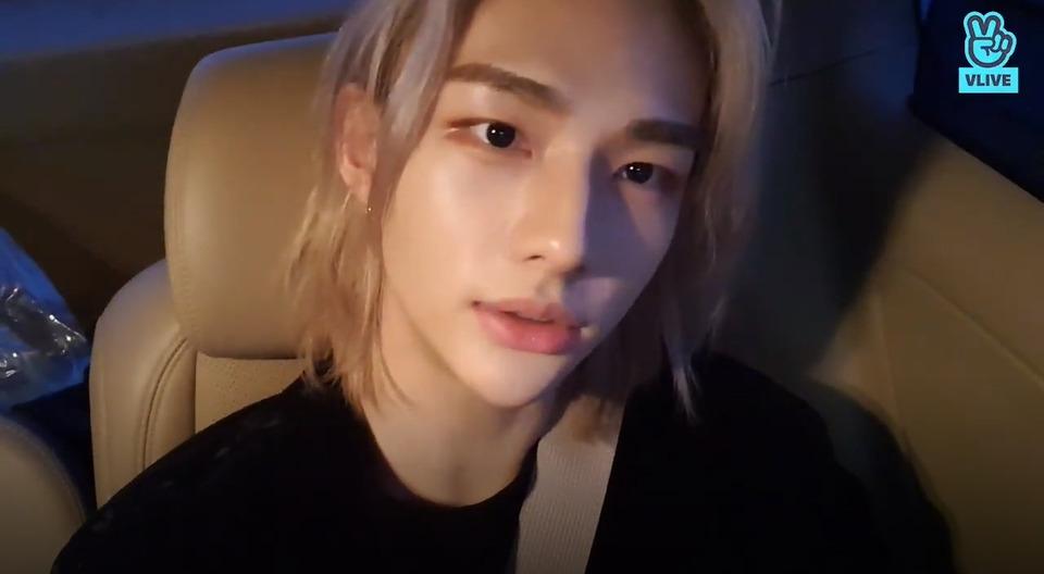 s2021e03 — [Live] 22 Year Old Hyunjin