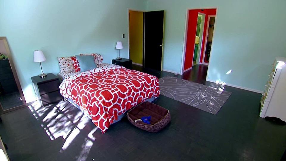 s2013e06 — The Unlivable Living Room