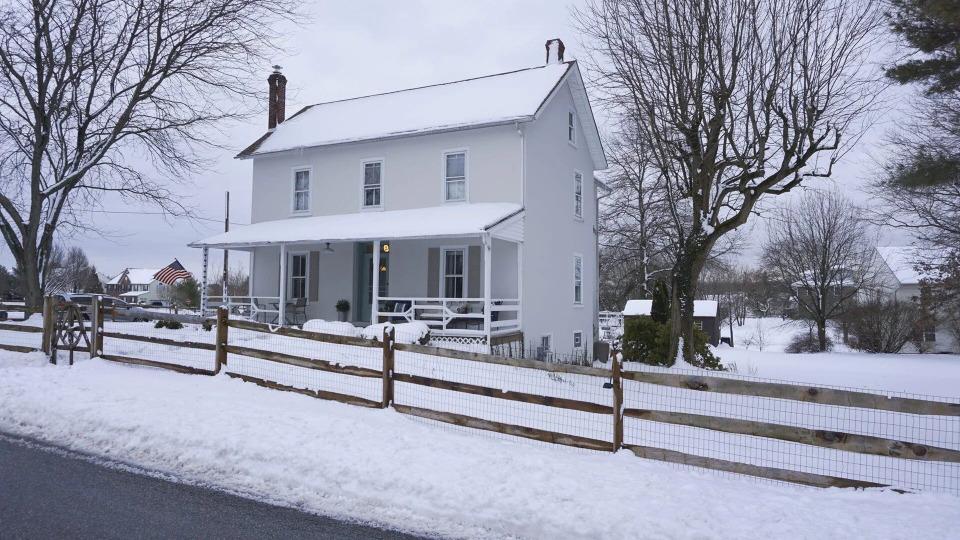 s01e07 — Cheap Old Farmhouse Dreams!