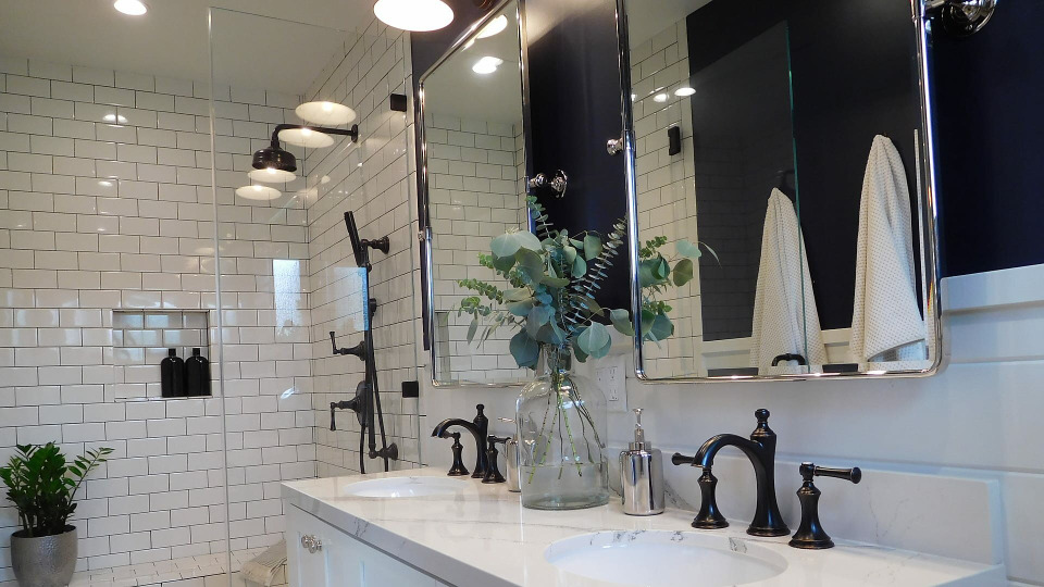 s2018e01 — Working Through Bathroom Blues
