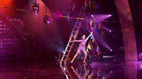 s01e09 — Cirque du Solos