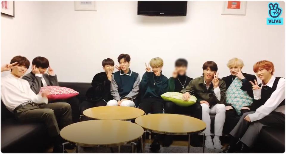 s2018e219 — [Live] 팬싸 시작 전🖤🖤
