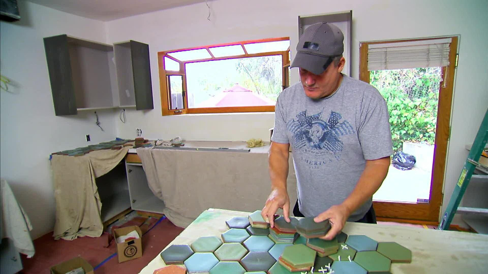 s2017e02 — A Puppeteer and His Fiancee Overhaul the Kitchen in Their New Home