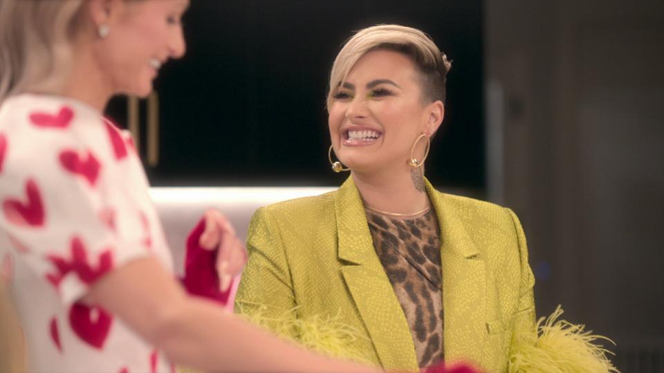 s01e04 — Italian Night with Demi Lovato