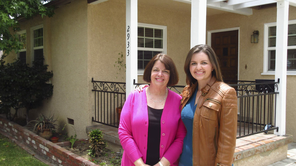 s2016e01 — A Southern Californian Woman Moves Back Home to Buy a House Near Family