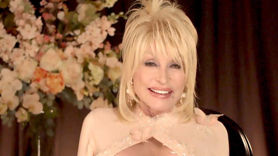 s2021e25 — Dolly Parton, Noah Centineo, Slowthai ft. Skepta