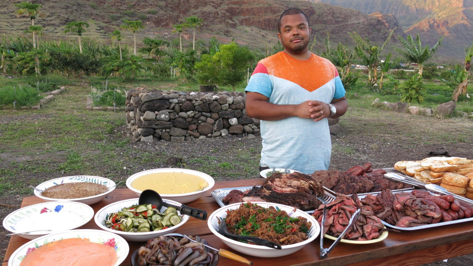 s02e03 — Feasts Over Fire in Hawaii