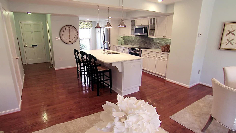 s2014e15 — A Young Family Buys a Fixer and Transforms the Outdated Kitchen into Their Dream Space