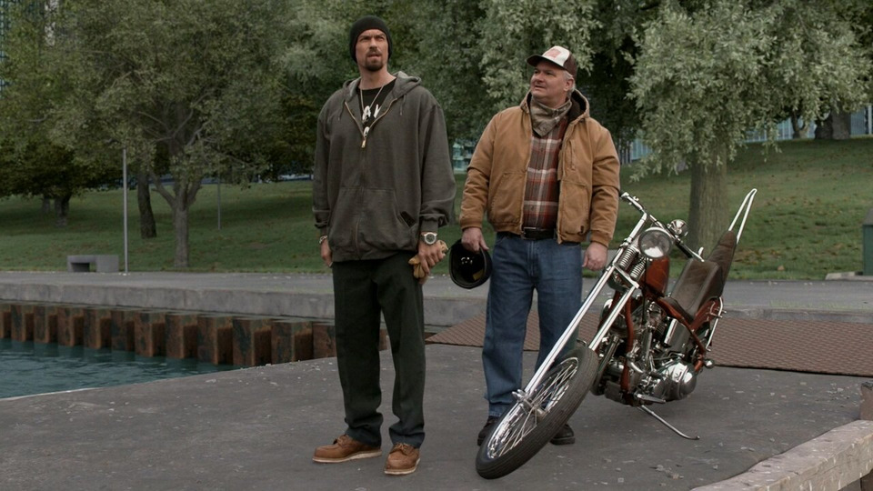 s11e07 — Two at a Biker Bar, One in the Lake