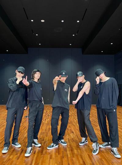s2021e121 — [Dance Practice] «LO$ER=LO♡ER»