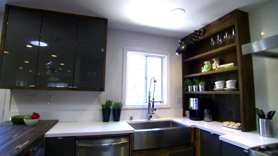s2013e14 — A Couple Is Ready to Buy a Place They Can Redo