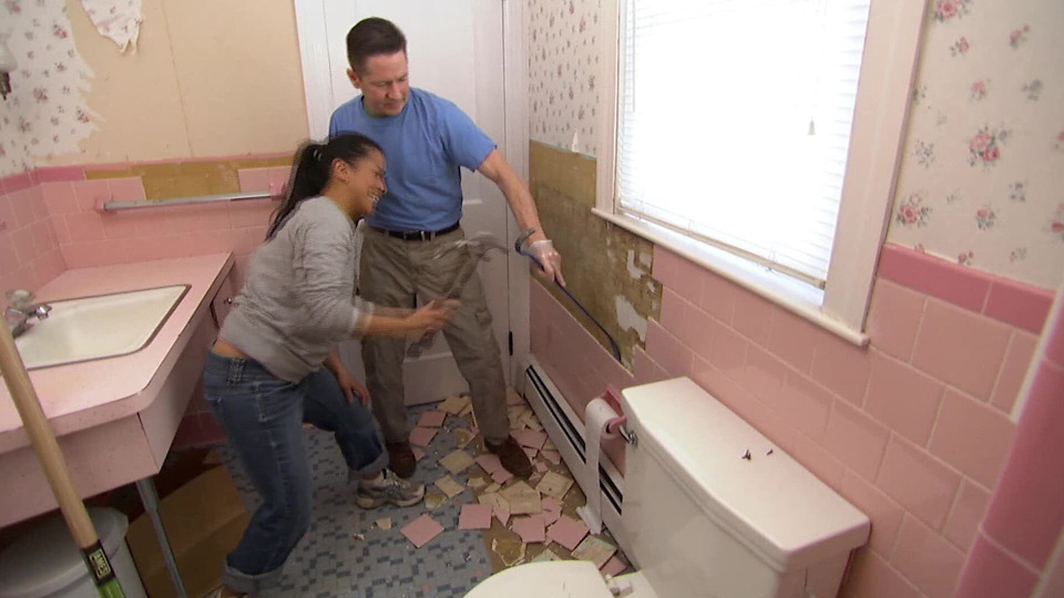 s2014e26 — Outdated House Gets a Much Needed Makeover