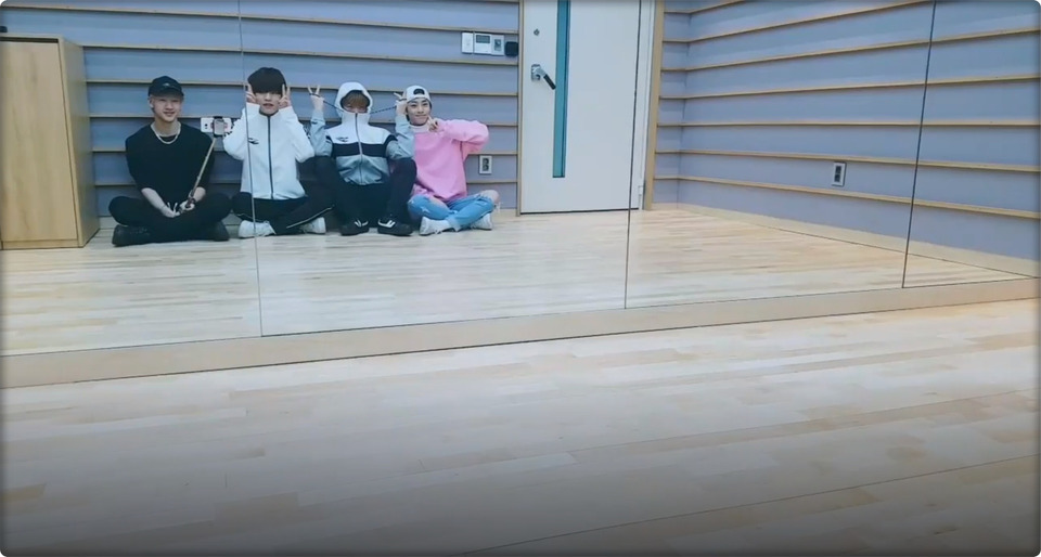 s2018e276 — [Live] STAY 뭐행? 🖤