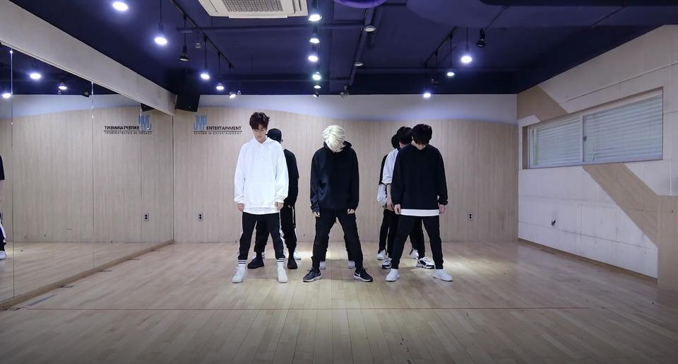 s2018e76 — [Dance Practice] «Mirror» (Part Switch Ver.)
