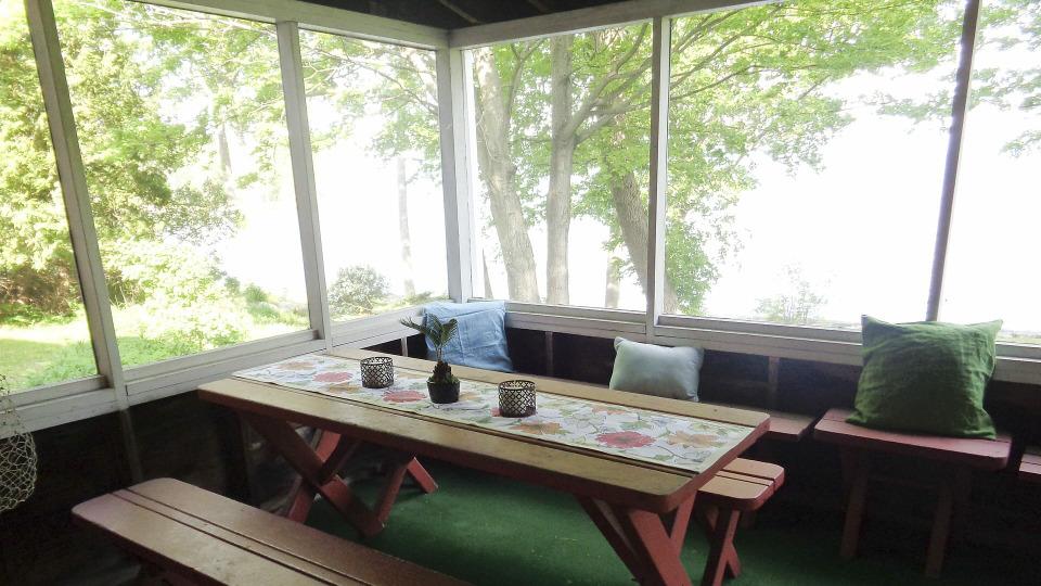 s2016e05 — Sunsets and Savings on Lake Champlain New York