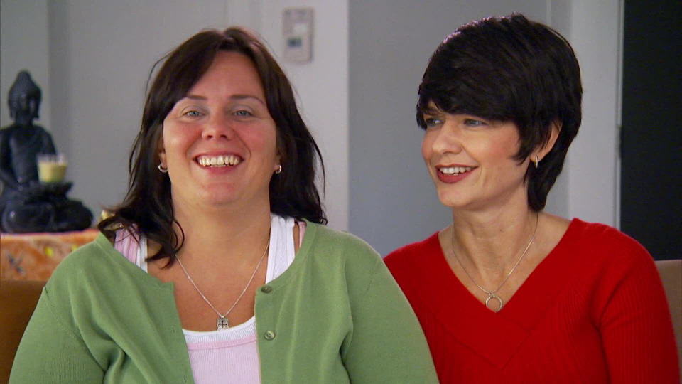 s2014e09 — A Couple and Their Dogs Need More Space So They Buy and Renovate a Home