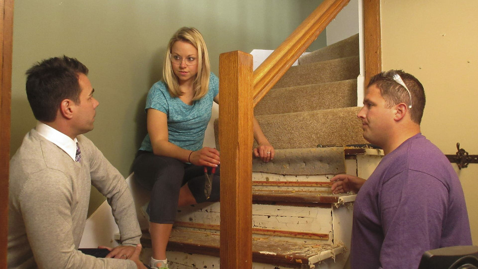 s2015e16 — A Chicago Couple Struggles Through a Stressful Renovation of Their First Home in the Suburbs