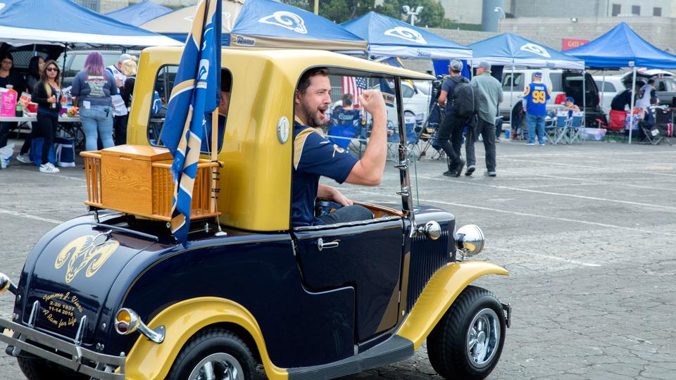 s01e08 — Los Angeles Rams