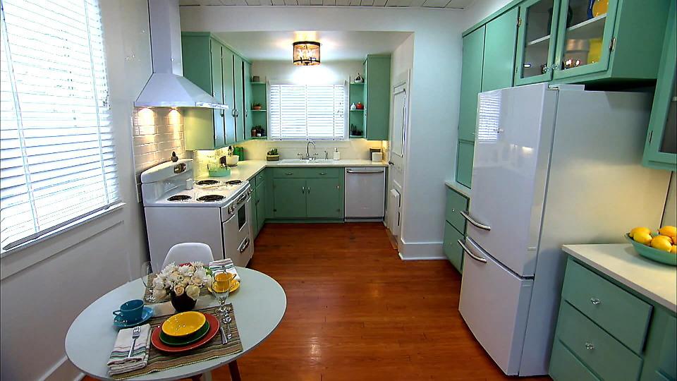 s2017e19 — Retro Kitchen, Modern Problems