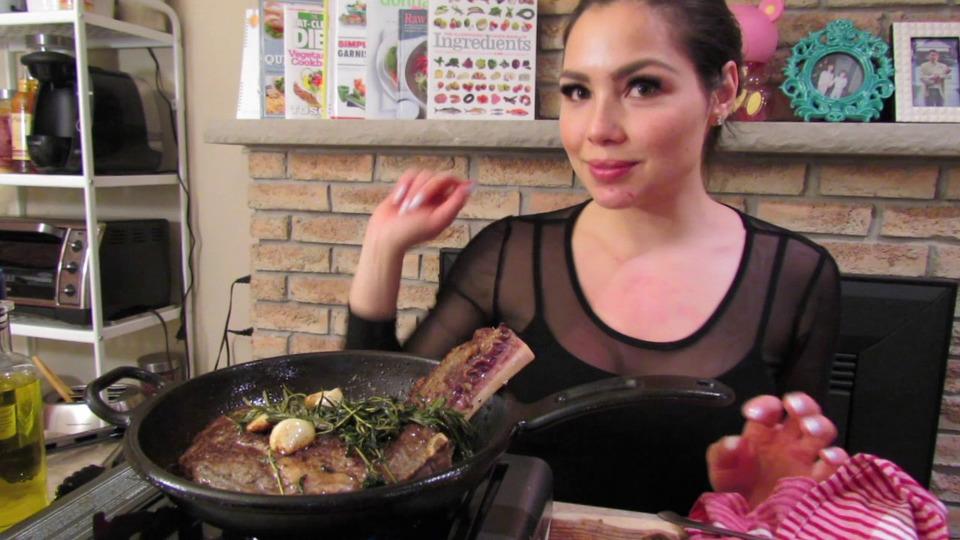 s04e03 — TRUFFLE TATER TOTS Recipe AND Steak! yummy | Mukbang— Eating Show