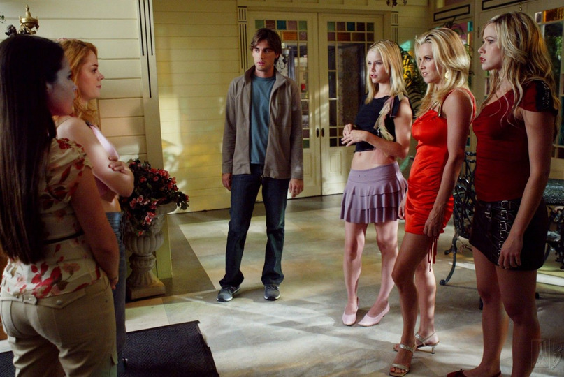 s06e04 — The Power of Three Blondes