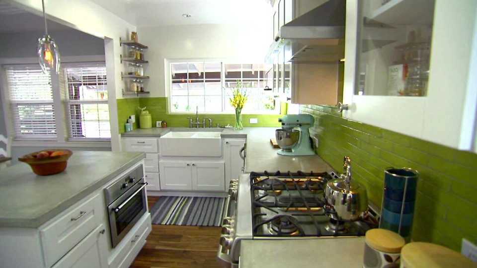 s2013e12 — An Eagle Rock, CA Couple Buy a Fixer-Upper and Overhaul the Space