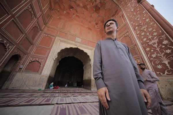 s12e01 — Пакистан. Город Лахор, главная мечеть Бадшахи имассовые собрания шиитов