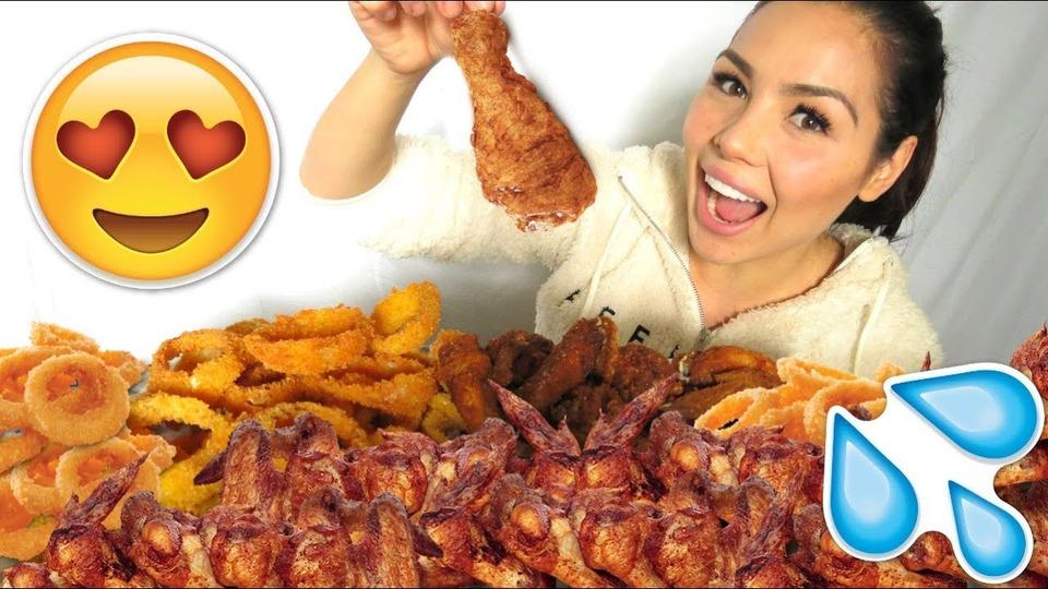 s04e46 — Crunchy Onion Rings & Chicken Wings Recipe 먹방 Mukbang Eating Show
