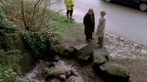s04e03 — The Naming of the Dead