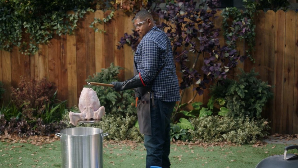 s01e08 — Turkeys and Traditions