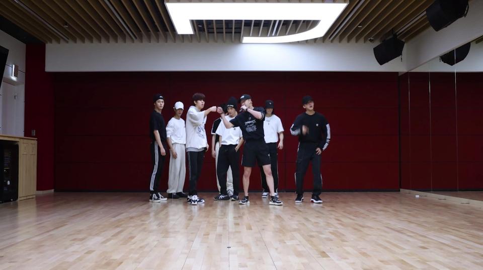 s2021e214 — [Dance Practice] «DOMINO»