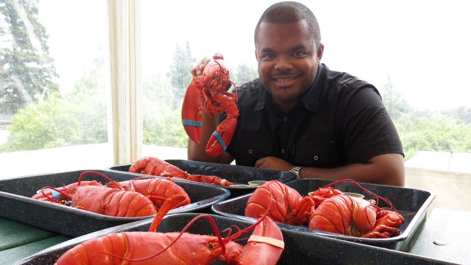 s02e12 — Love for Lobsters in Maine