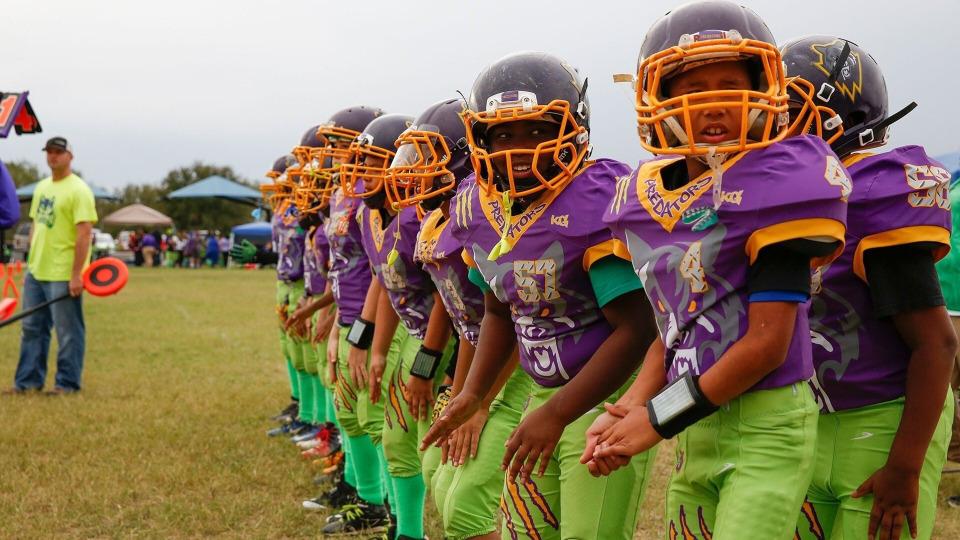 s03e06 — Jesus in Football Cleats