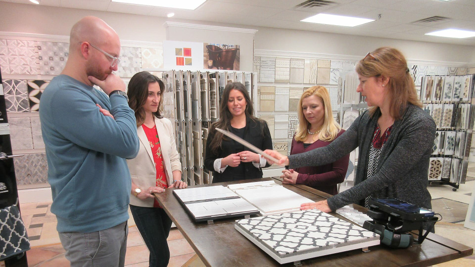 s2017e27 — Midwest to East Coast Makeover