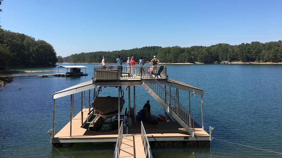 s2018e03 — Living Large on Lake Lakengren, Ohio