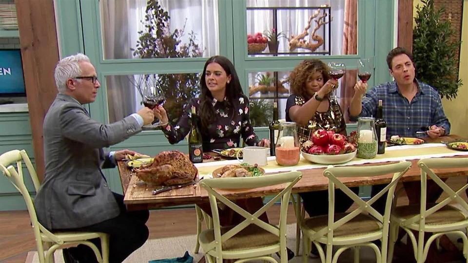 s04e05 — Thanksgiving Feast
