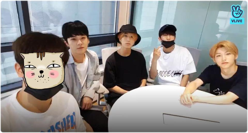s2018e105 — [Live] 우리 한창 Feel~😈 불타는 금요일(날씨가^^)