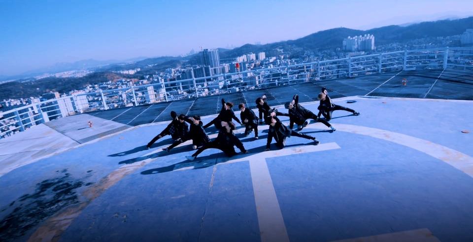 s2018e13 — [Performance] «어린 날개»