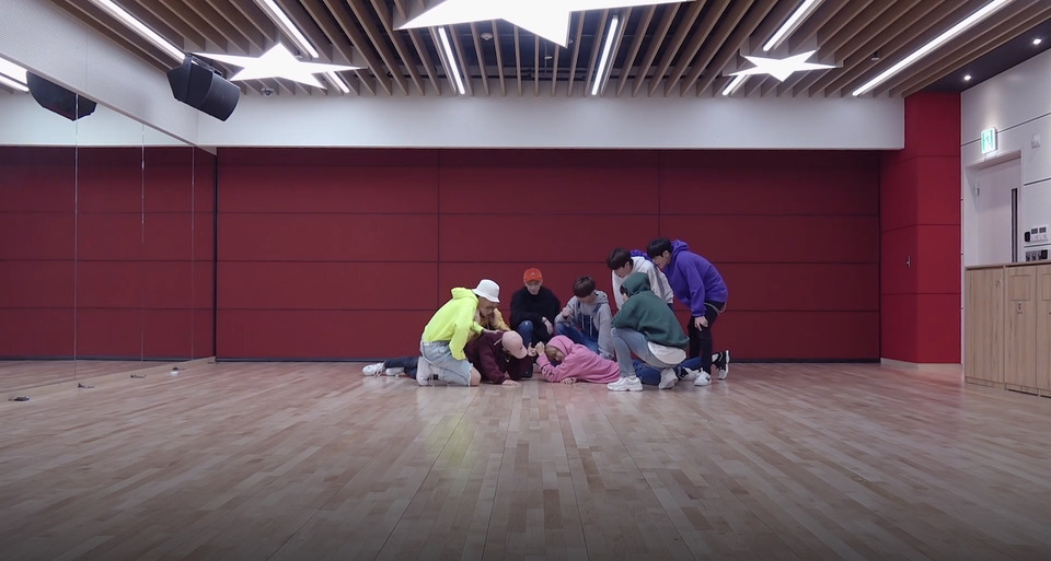 s2018e242 — [Dance Practice] «Get Cool» (Full Cam Ver.)